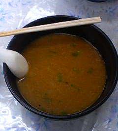 味噌バターラーメン……のスープ